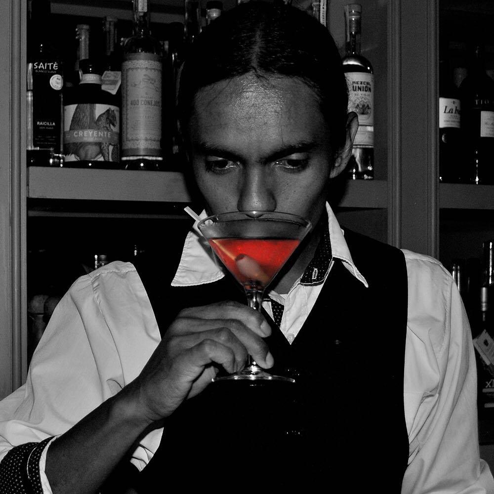 Cheers!  WhoIsFatCharlie WeLoveFatCharlie FatCharlie Drinks Night Gdl cheers VIP